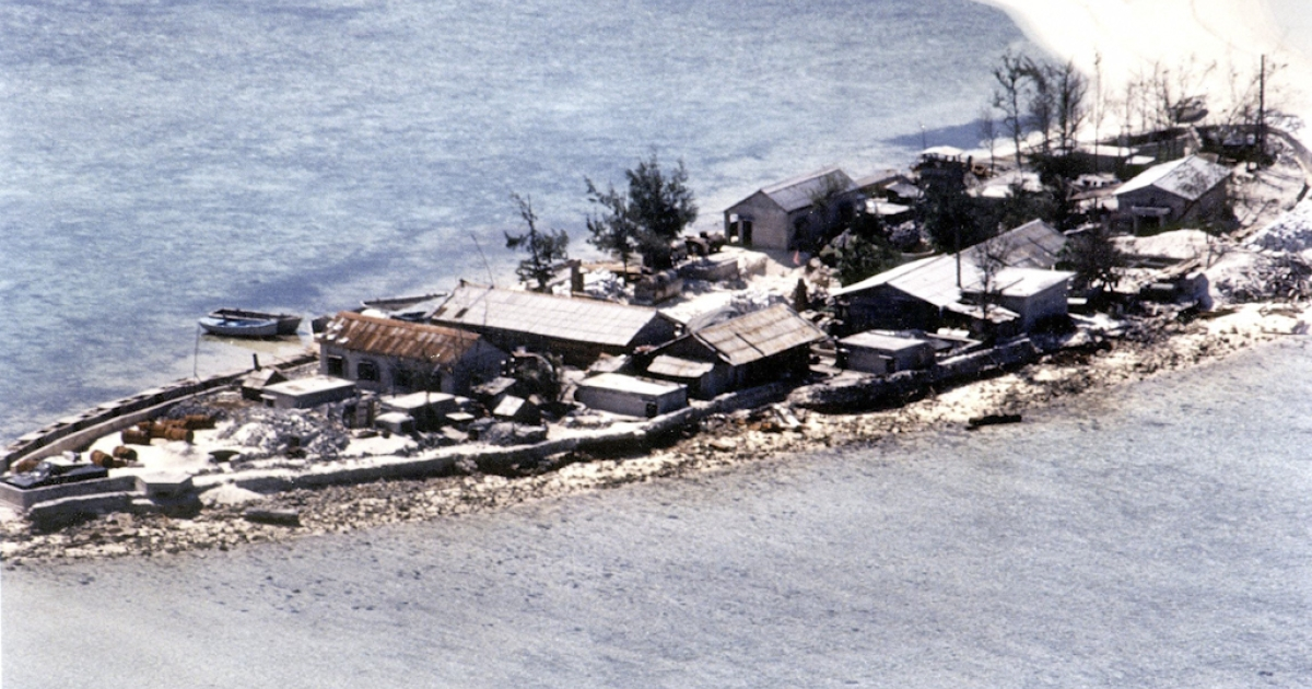 This photograph from 1995 shows an aerial view of a garrison identified as a Vietnamese fortification built in the Sincowe East Island, one of the many islets, shoals and reefs located in the disputed Spratly Islands. The island chain is claimed wholly by China, Taiwan and Vietnam and partly by the Philippines, Malaysia and Brunei.</p>