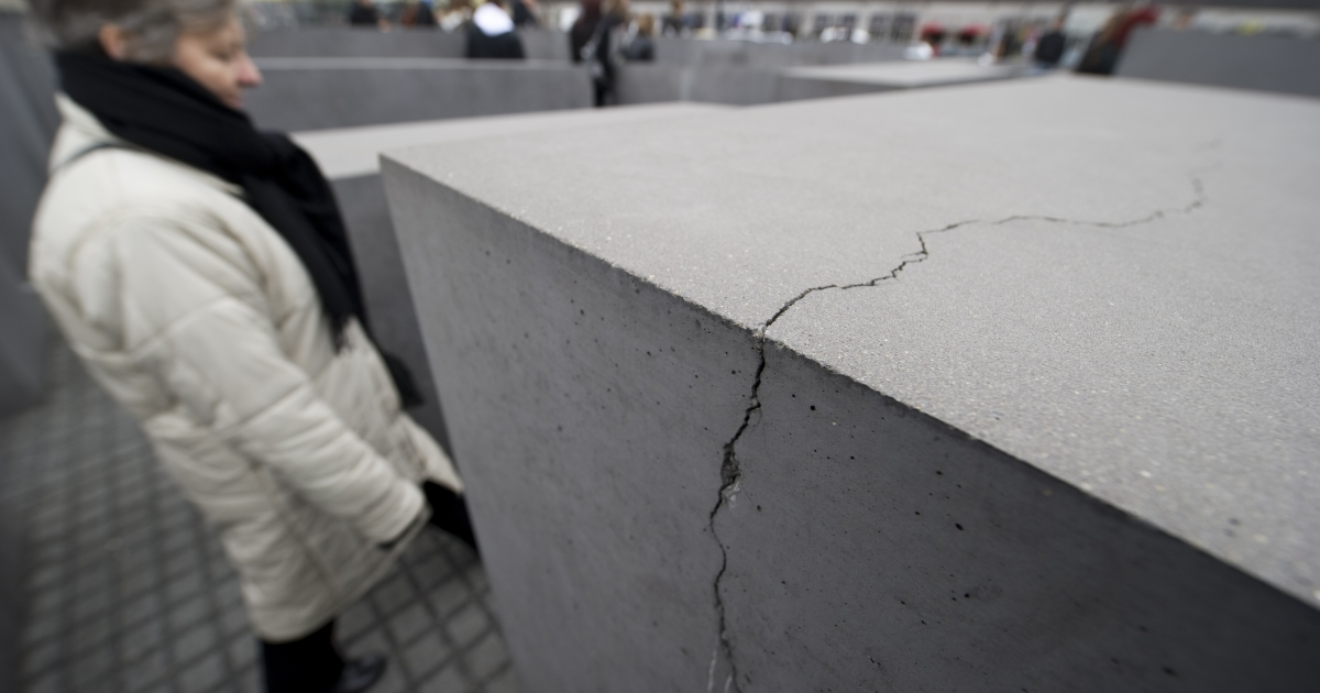 Sean Dougan, a reporter from Florida, was found encased in concrete buried in a Georgia backyard.</p>