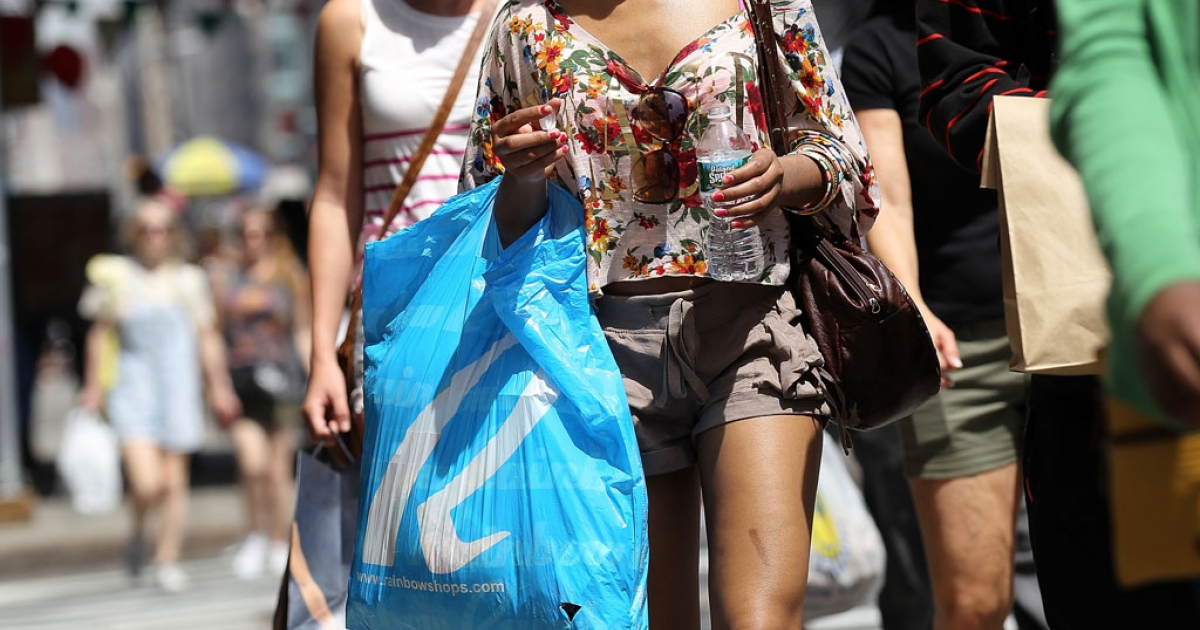 Consumer spending rose 0.8% in September, the third straight monthly gain and the biggest increase since February.</p>
