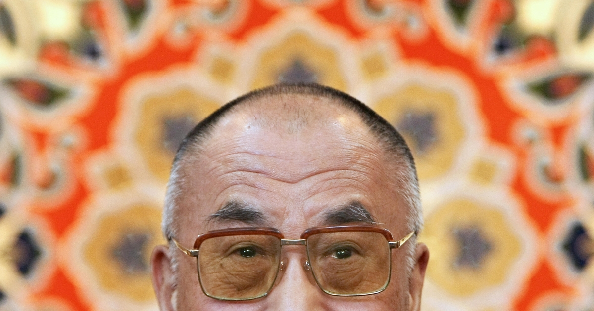Tibetan spiritual leader the Dalai Lama addresses journalists in Dharamsala on November 23, 2008.</p>