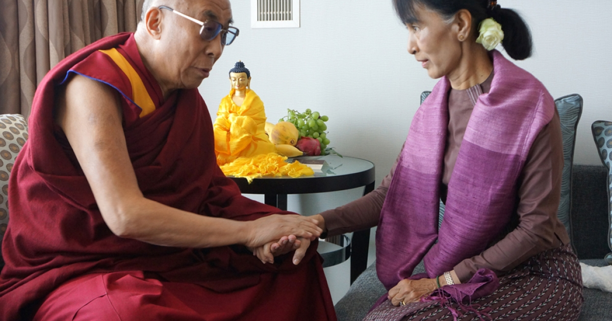 His Holiness the Dalai Lama with Aung San Suu Kyi in London, England, on June 19, 2012.</p>