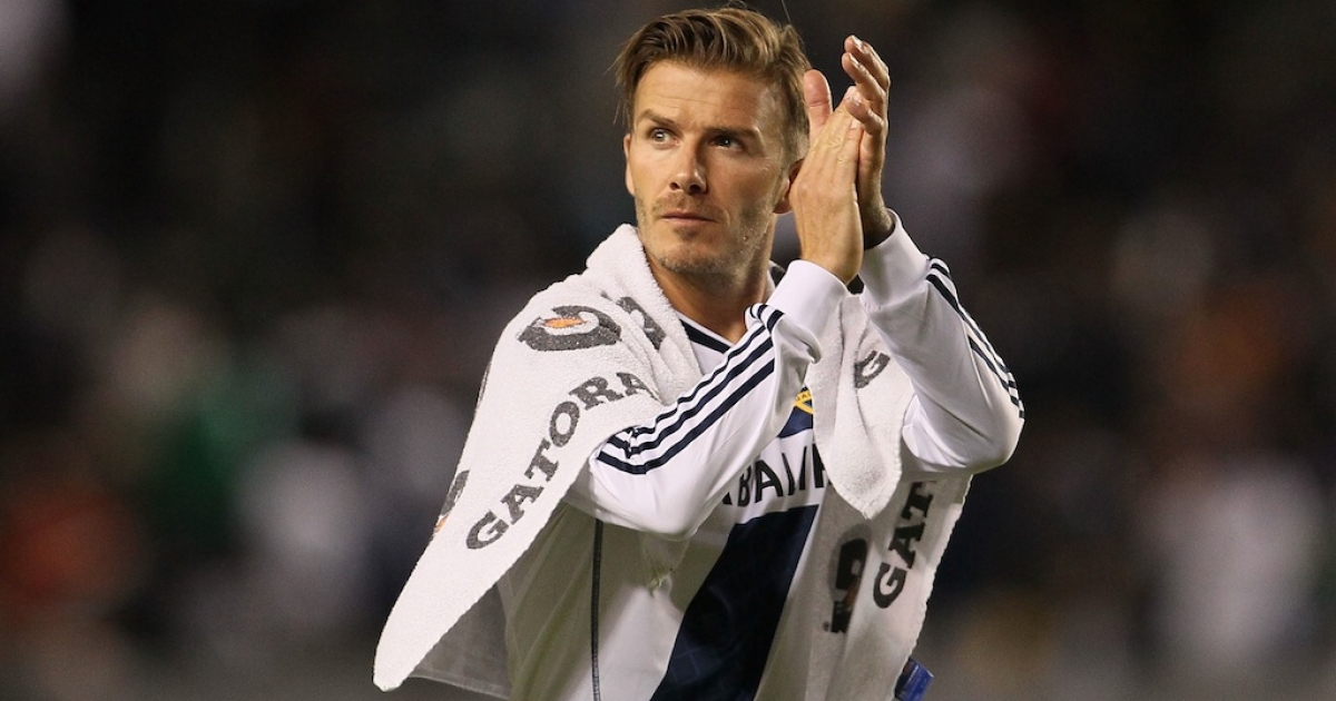 David Beckham #23 of the Los Angeles Galaxy applauds the fans after the first leg of the MLS Western Conference Semifinal match against the San Jose Earthquakes at The Home Depot Center on Nov. 4, 2012 in Carson, California.</p>