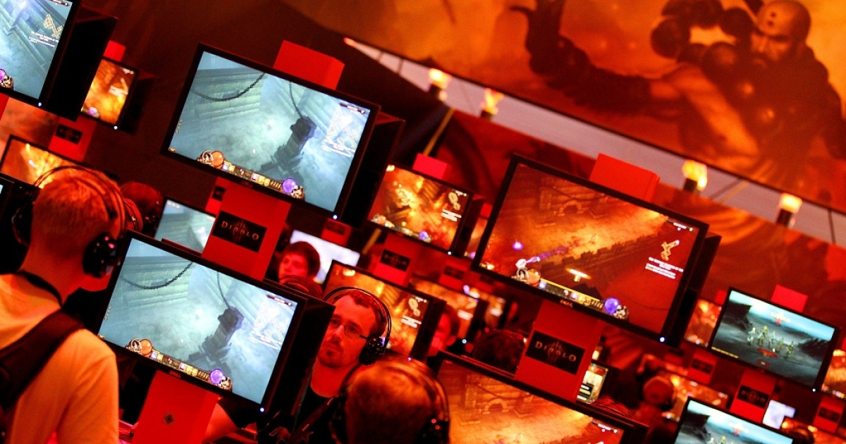 Computer gamers play in front of their screens on August 17, 2011 during the gamescom fair in Cologne, western Germany. The trade fair for interactive games and entertainment is running until August 21, 2011.</p>