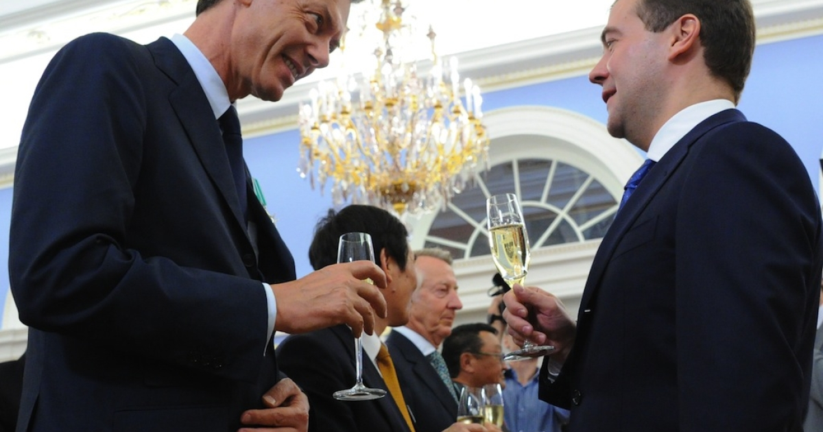President Dmitry Medvedev (R) speaks with Japan Tobacco International President and CEO Pierre de Labouchere during an awarding ceremony in the Gorki residence outside Moscow, on June 20, 2011. Pierre de Labouchere was awarded the Order of Friendship.</p>