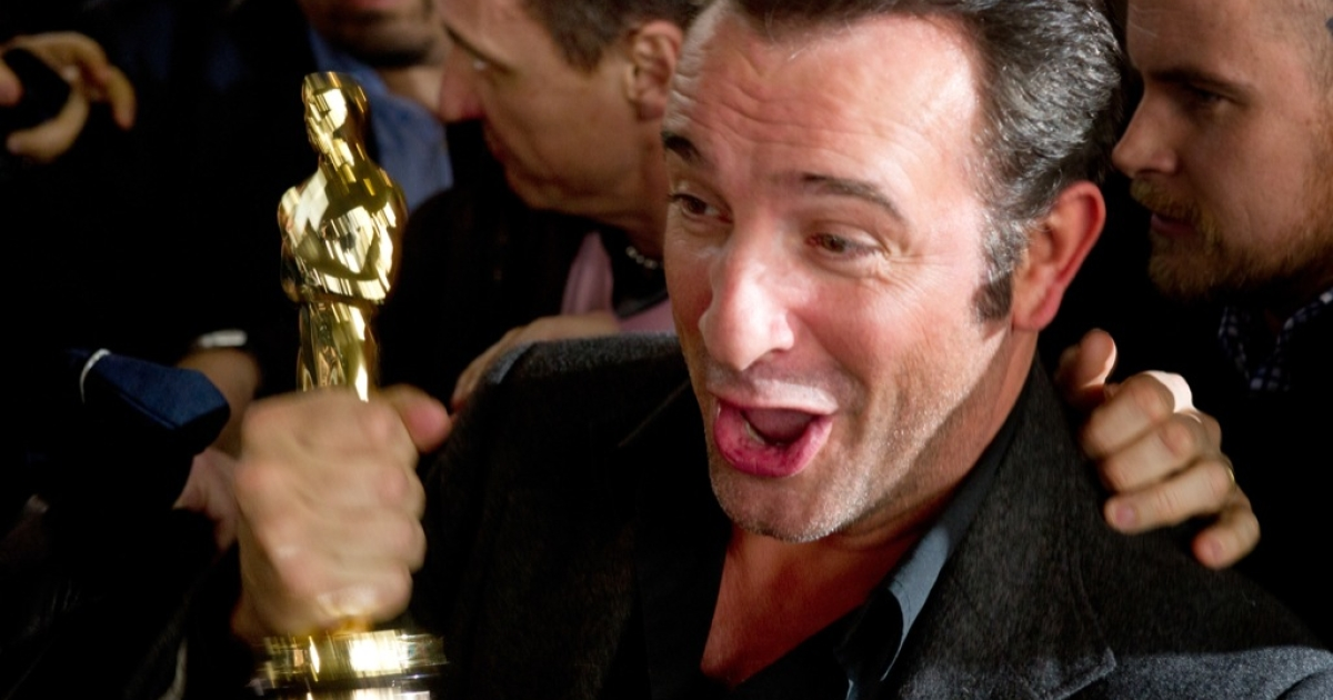 Jean Dujardin on his arrival back in Paris following his Oscar triumph.</p>