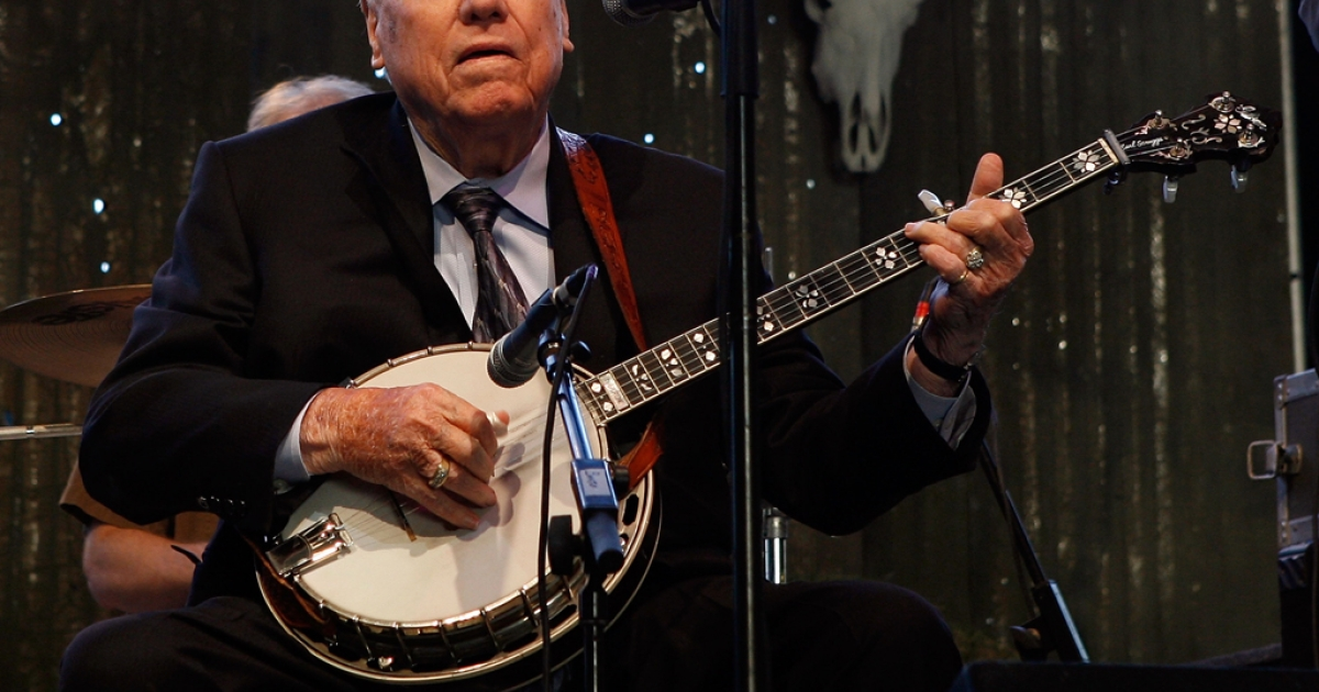Musician Earl Scruggs performs onstage during day one of California's Stagecoach Country Music Festival held at the Empire Polo Club on April 25, 2009 in Indio, California. His funeral on Sunday paid homage to his lasting influence on bluegrass music.</p>