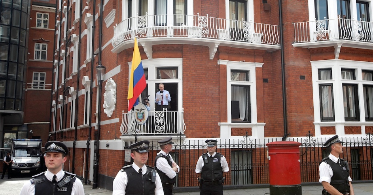 Wikileaks founder Julian Assange speaks from the balcony of the Equador embassy in Knightsbridge on August 19, 2012 in London, England. During his speech, Mr Assange called for the United States to bring an end to its 'Witch Hunt' against Wikileaks staff and supporters. He is currently living inside Ecuador's London embassy after being granted political asylum whilst facing extradition to Sweden to face allegations of sexual assault.</p>