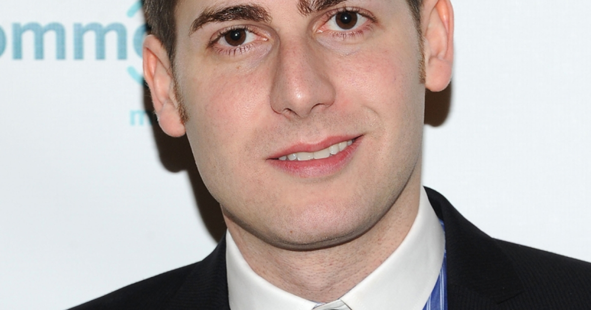 Eduardo Saverin, co-founder of Facebook, has renounced his US citizenship ahead of the company's IPO.</p>