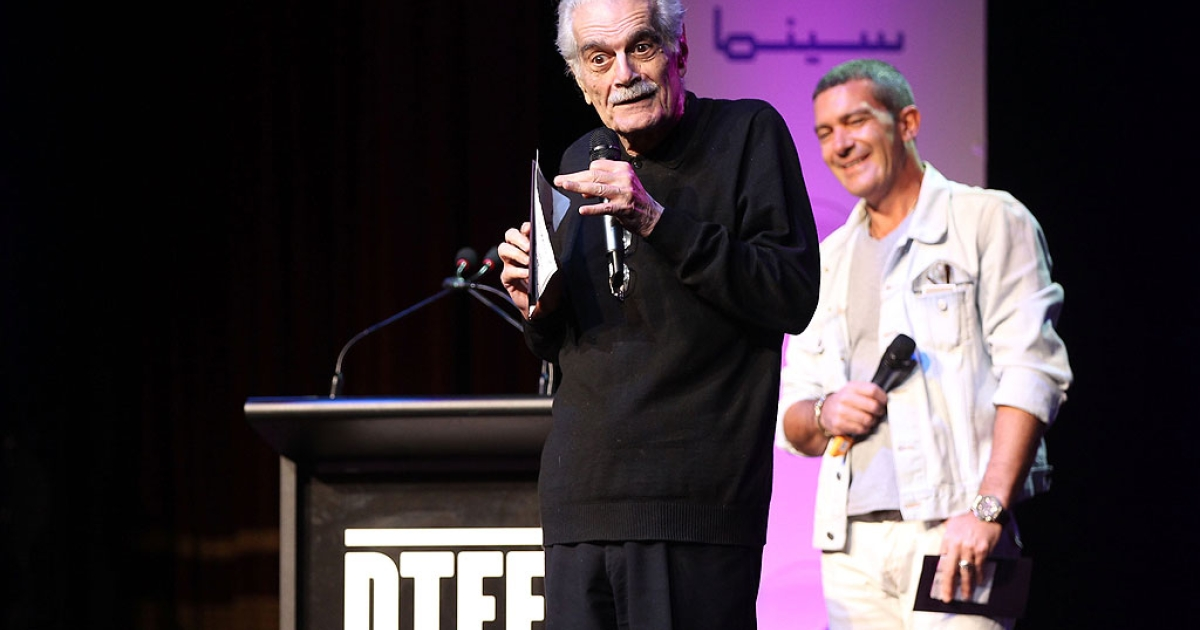 Actors Omar Sharif and Antonio Banderas speak onstage at Arab Film Competition Awards during day 5 of the 2011 Doha Tribeca Film Festival Katara Opera House 1 on October 29, 2011 in Doha, Qatar.</p>