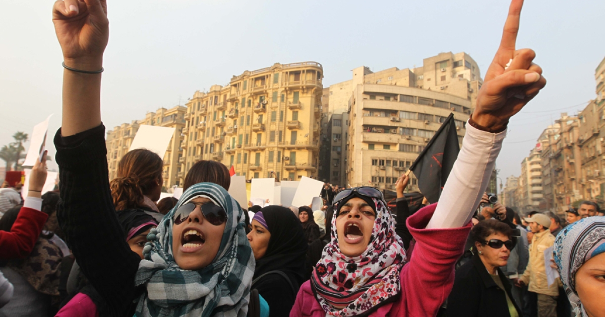Egyptian women protest in downtown Cairo against the military's violent treatment towards women, and to call for an end to the attacks on protesters.</p>