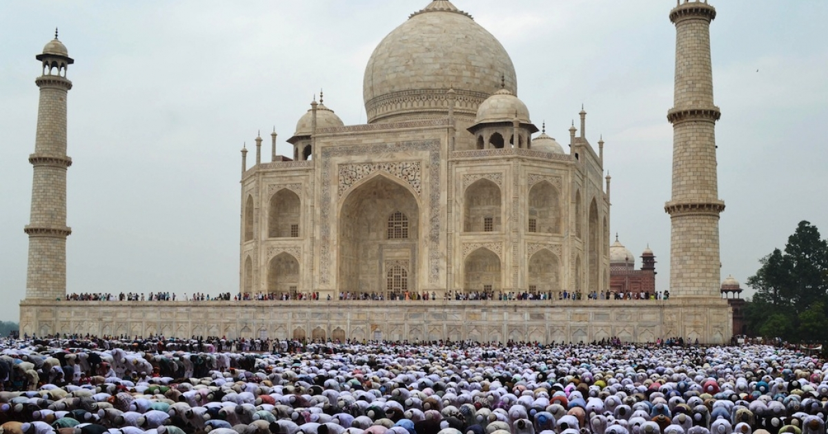 The real Taj Mahal bears little similarity to the Karachi Zoo attraction based on the structure's namesake.</p>