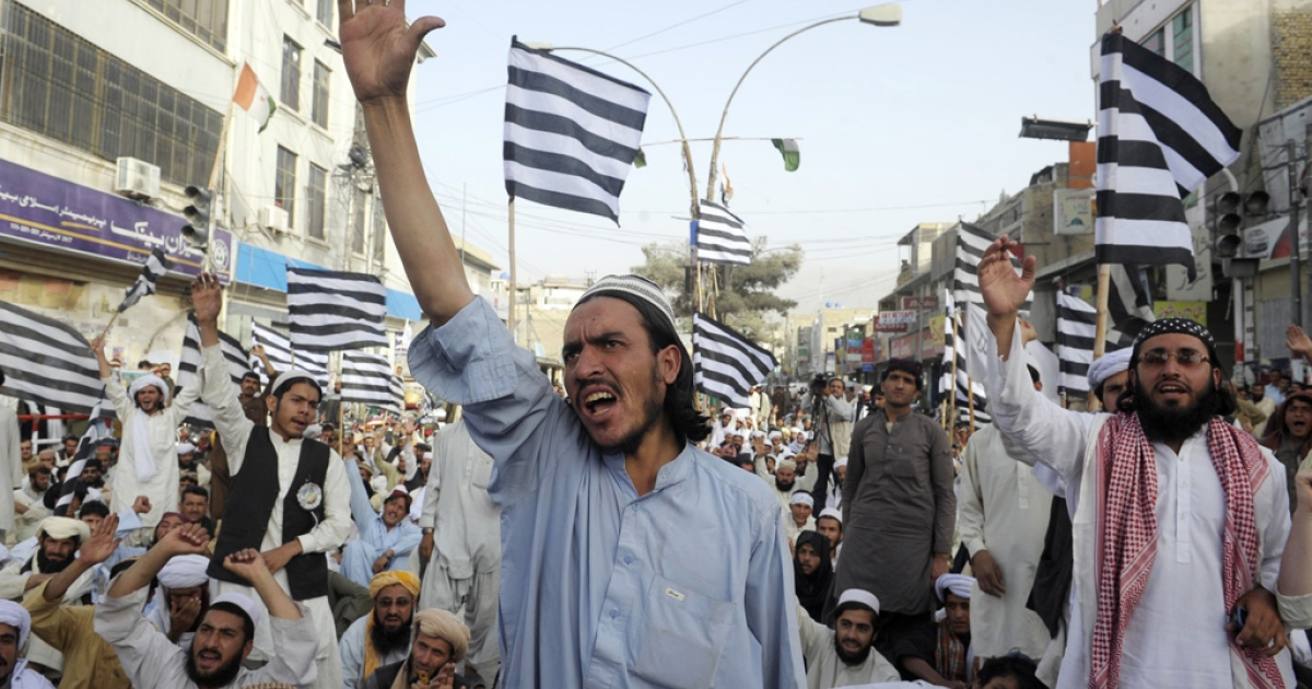 Pakistani Muslims shout anti-US slogans during a rally against an anti-Islam movie in Quetta on September 16, 2012. Pakistan blocked access to the video on the Internet and beefed up security around US diplomatic missions, following attacks on American consulates and embassies in Libya, Egypt and Yemen.</p>
