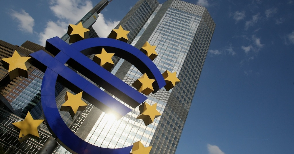 FRANKFURT AM MAIN, GERMANY: A huge euro logo stands in front of the headquarters of the European Central Bank (ECB) on April 9, 2009 in Frankfurt am Main, Germany.</p>
