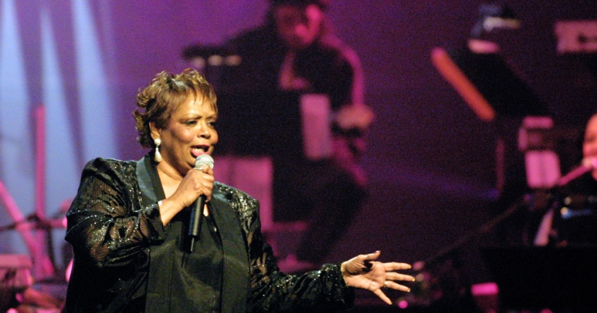 Fontella Bass performing at the Rhythm &amp; Blues Foundation's 12th annual Pioneer Awards at the legendary Apollo Theatre in New York City on November 8, 2001.</p>