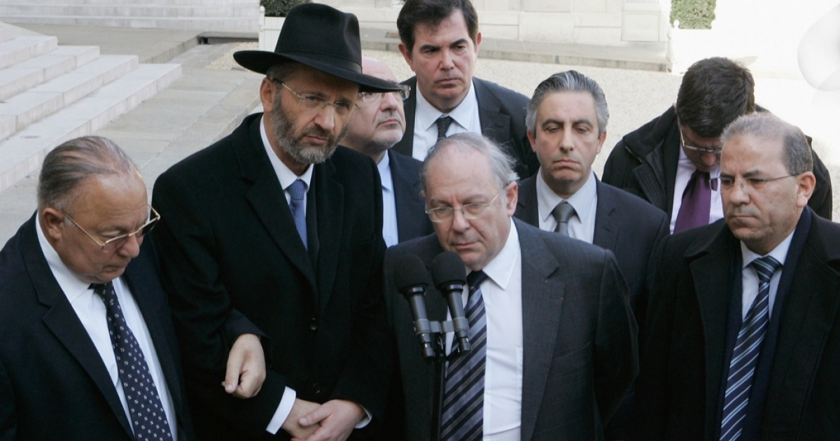 Leaders of France's Jewish and Muslim communities met with President Nicolas Sarkozy today.  The shootings in Toulouse at a Jewish school on Monday by Muslim fanatic has shocked the whole country and leaders from every level of society are trying to show solidarity.</p>