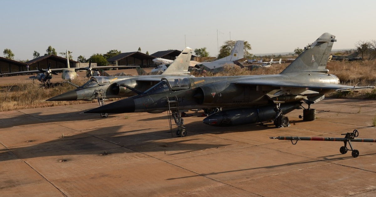 French Mirage F1 CR fighter aircraft, seen at a base near Bamako. Across the border in Algeria, Islamists allegedly led by Mokhtar Belmokhtar seized hostages at the Ansema gas plant.</p>