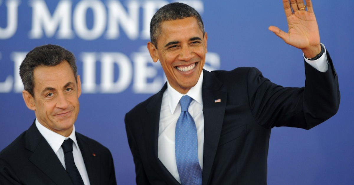 French President Nicolas Sarkozy welcomes United States President Barack Obama to the G20 Summit in Cannes, France.</p>