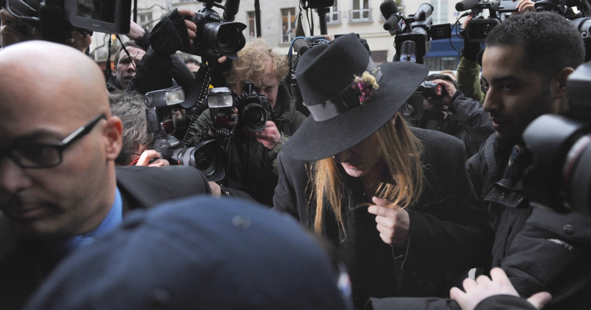 British designer John Galliano arrives at the police station for a face to face meeting with witnesses on Feb. 28, 2011 in Paris. Top fashion designer John Galliano, already suspended from Dior for alleged anti-Semitic insults, faced fresh trouble Monday after a video emerged of him saying he loved Adolf Hitler.</p>