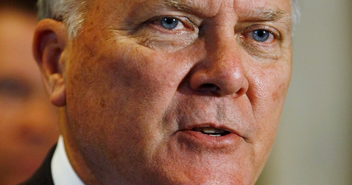 Georgia Governor Nathan Deal signed a measure requiring welfare applicants to be tested for drugs prior to receiving benefits.</p>
