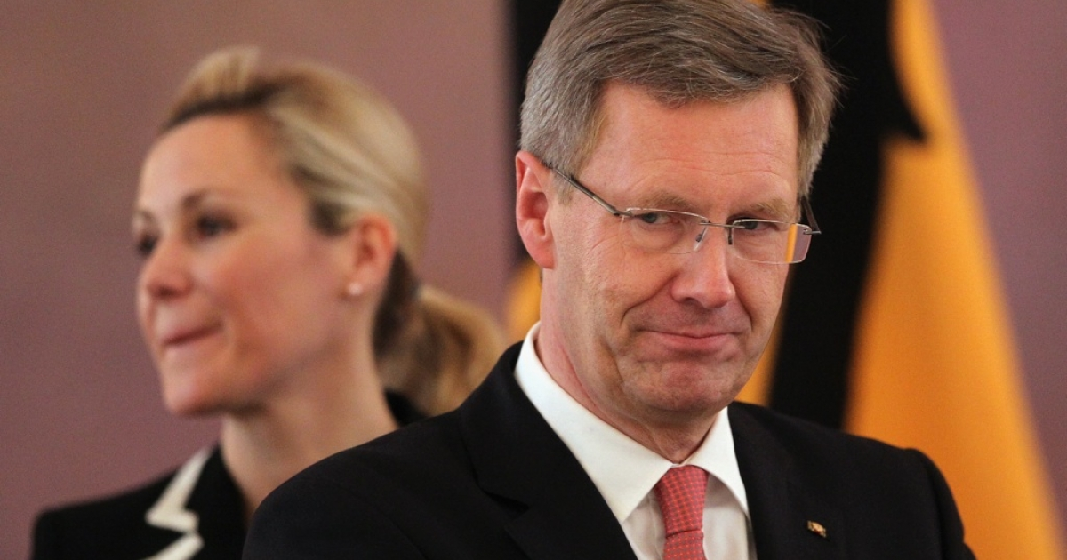 German President Christian Wulff and his wife Bettina are at the center of a scandal involving a large private loan and the media.</p>
