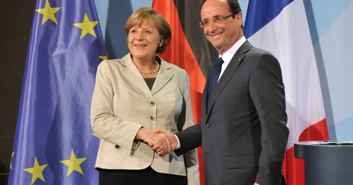 German Chancellor Angela Merkel and the new French president Francois Hollande shakes hands after their joint press conference on May 15, 2012 in Berlin. Hollande met Merkel for their first talks on the debt crisis as Greece's future in the eurozone appears uncertain.</p>