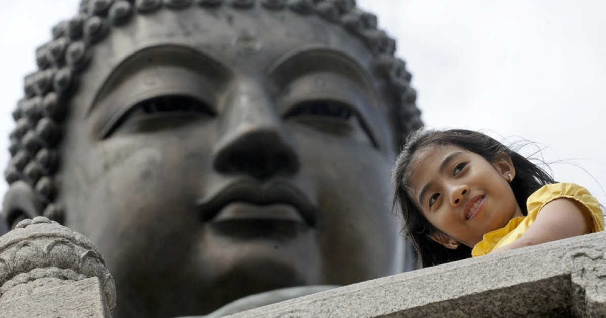 Chinese police today said ancient stone Buddha heads were found hidden in an eastern China home.</p>