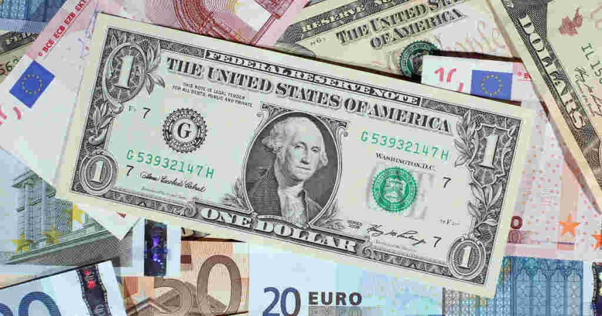 Dollar and Euro notes--the global economy is looking up.</p>