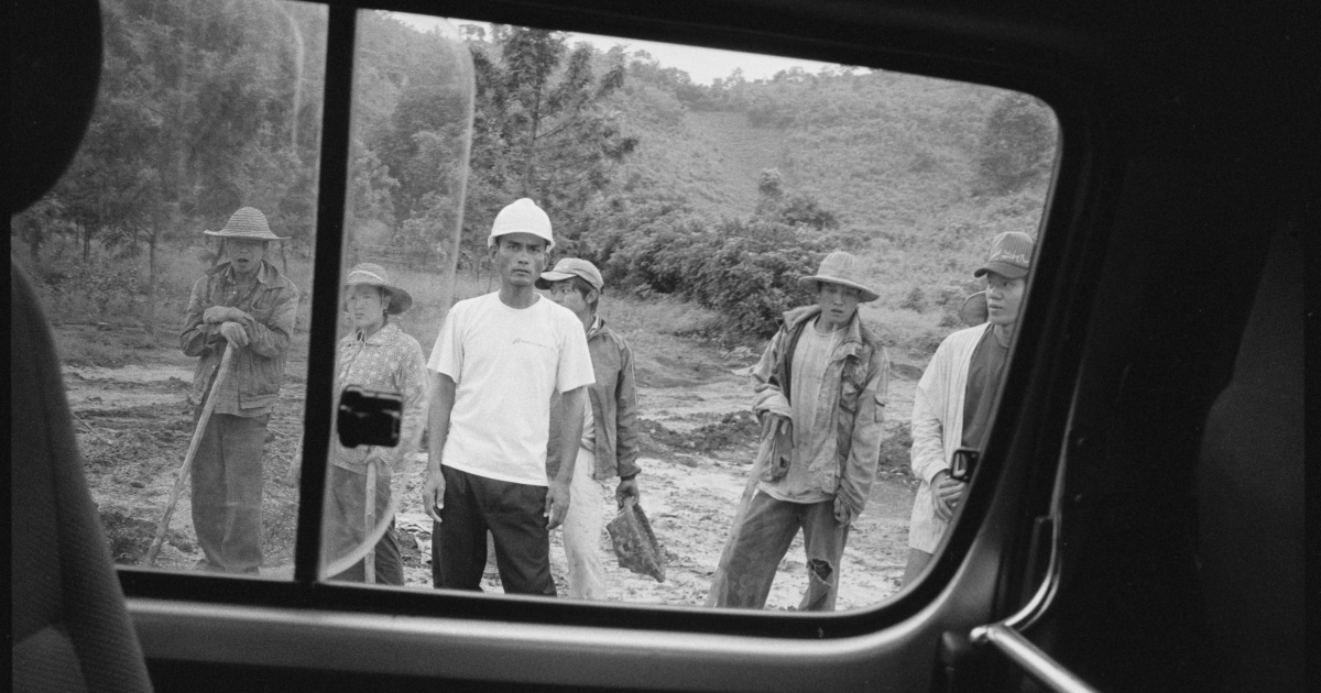 An engineer and Burmese laborers on the gas and oil pipeline that carves its way from Kunming in China to the Indian Ocean on the coast of Burma. Built and designed by the China National Petroleum Corporation, the pipeline will be 2800 km long once complete.</p>