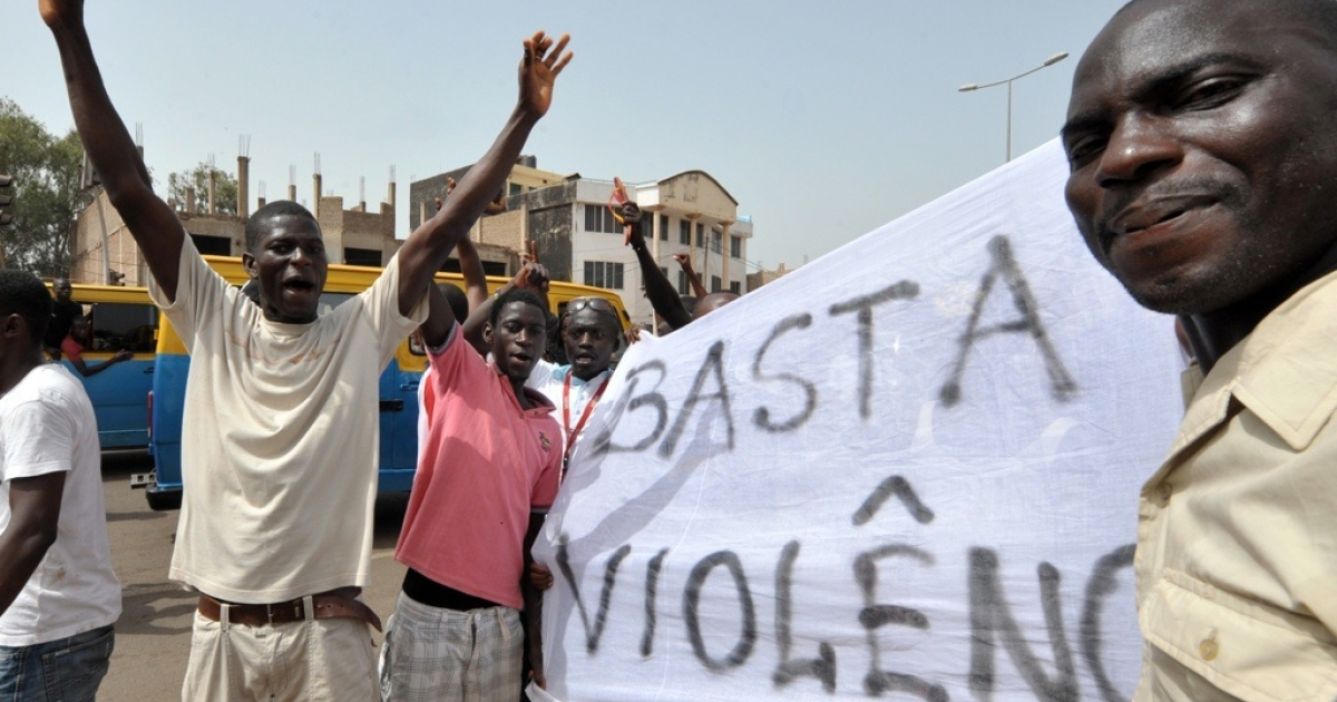 In Guinea-Bissau, 30 people demonstrate for peace in front of the national assembly, where the negotiations took place on April 15, 2012 in Bissau, before soldiers disperse them. Guinea-Bissau's opposition vowed reach a power-sharing deal with the junta that seized power in the latest coup to shake the notoriously unstable west African country.</p>