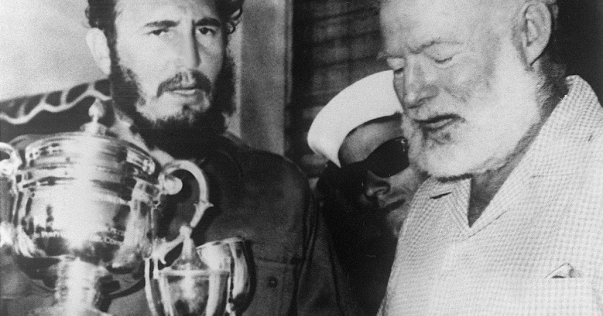 Ernest Hemingway and Fidel Castro after a fishing contest in Cuba in 1960.</p>