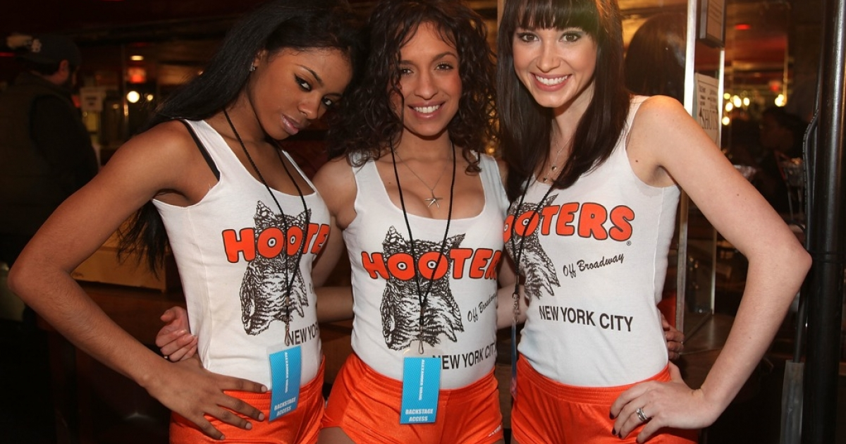 "A Hooters restaurant in Queens is being sued after an unidentified hostess described an Asian couple as ""Chinx"" on their food receipt.</p>"
