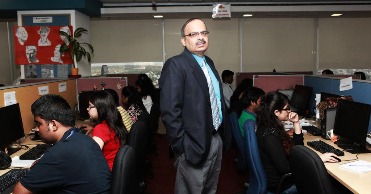 Anup Bhasin, UnitedLex COO, with young lawyers working in the company's document review department.</p>