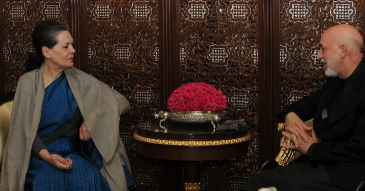 Indian Congress President and UPA Chairperson Sonia Gandhi (L) talks with Afghanistan President Hamid Karzai in New Delhi on November 11,2012. The Afgan President is on a five day state visit to India till November 13.</p>