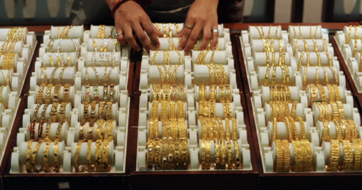 A vicious cycle? India's obsession with gold is one reason the rupee won't stop plunging.</p>