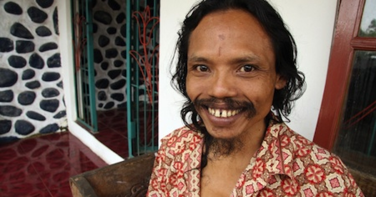 Indonesian cannibal Sumanto poses at a private rehabilitation centre housing persons with mental and emotional problems in 2009. Sumanto is undergoing spiritual guidance and rehabilitation therapy after his release from jail when he was convicted for stealing a body of a dead woman in a cemetery and eating parts of the corpse.</p>