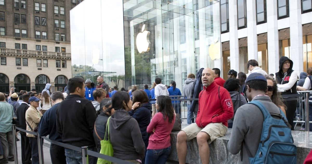 The line outside the Apple store on Fifth Avenue as the new iPhone 5 is delivered on September 21, 2012 in New York.</p>
