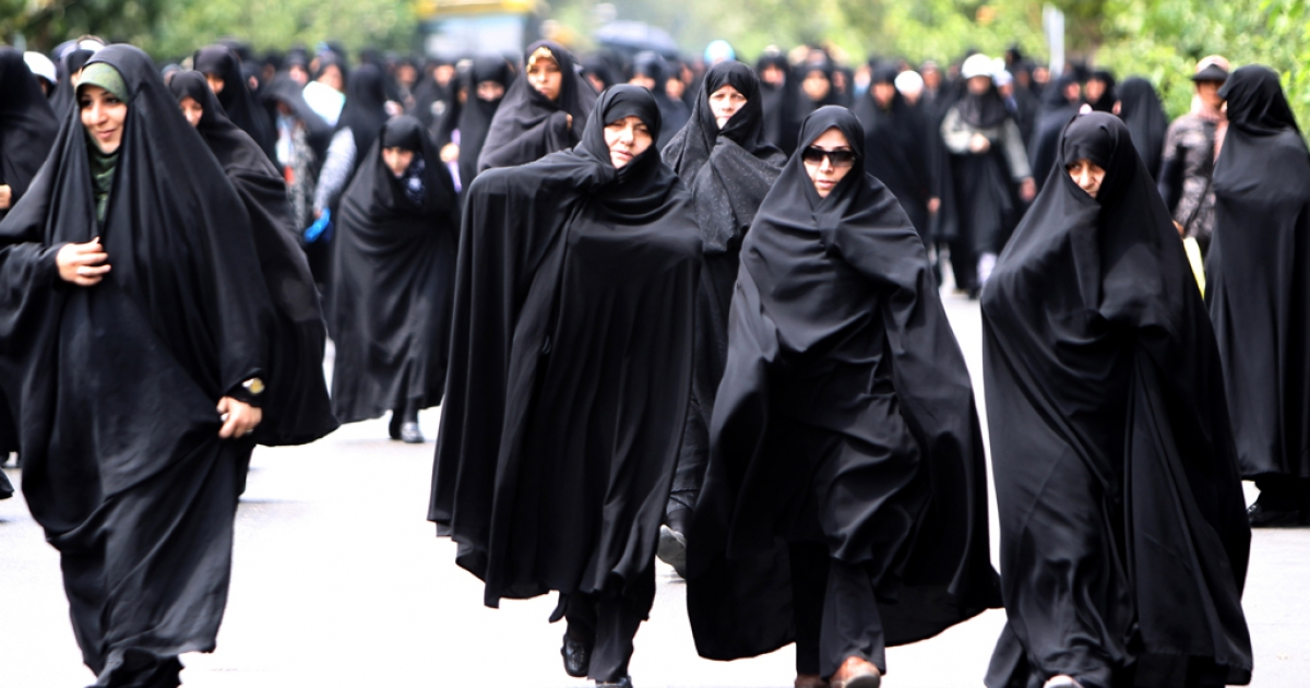 Iranian state television claims around 3,500 Iranian women are signed up for ninja training. AFP PHOTO/ATTA KENARE</p>