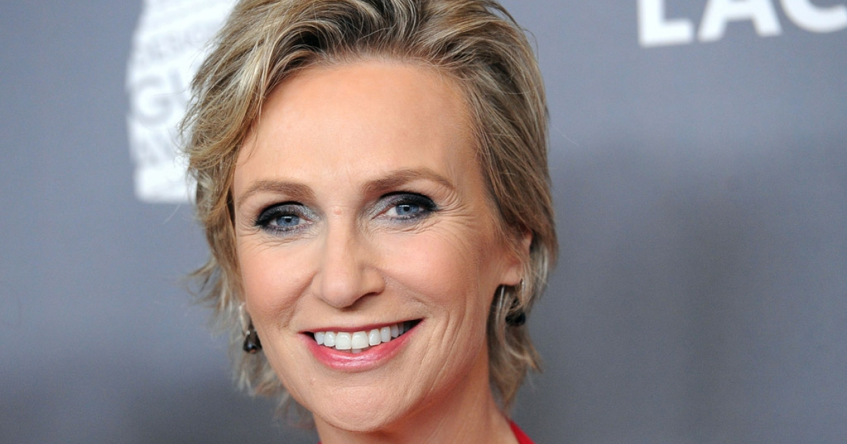 Jane Lynch arrives at the 14th annual Costume Designers Guild Awards on February 21, 2012, in Beverly Hills, California.</p>