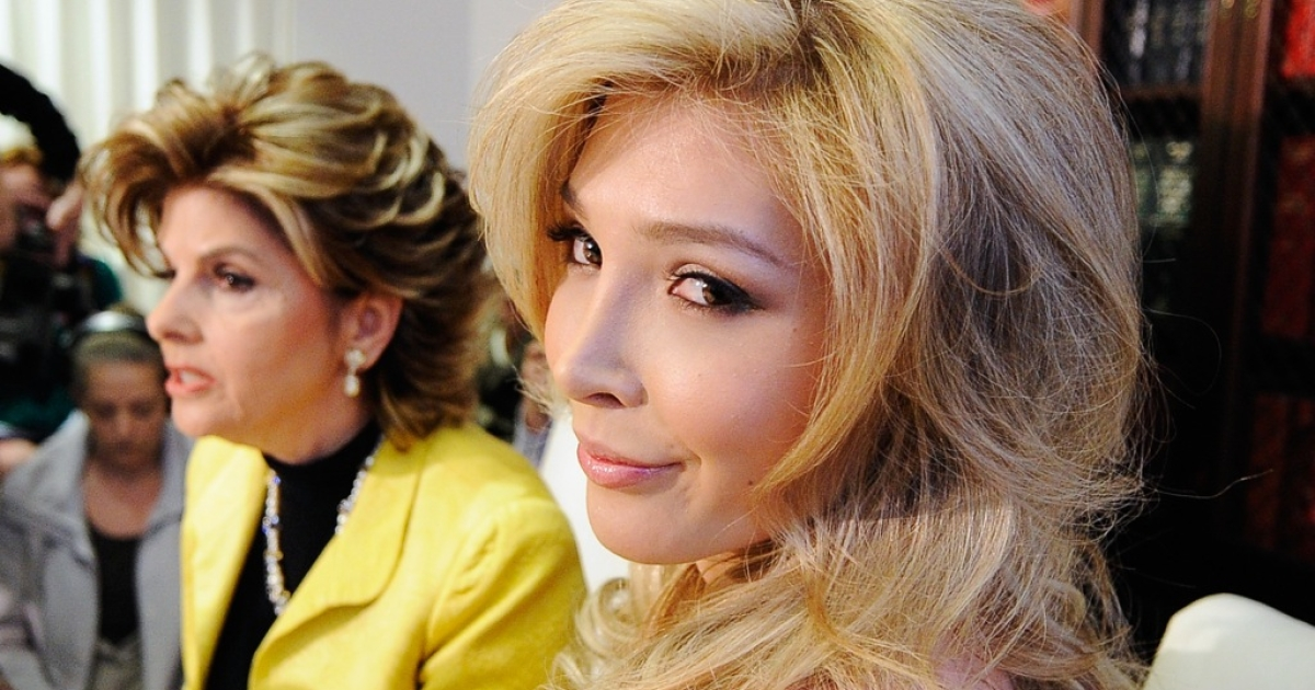 Jenna Talackova (R), attends a news conference with her attorney Gloria Allred on April 3, 2012 in Los Angeles, Talackova, 23. The Miss Universe Organization will now allow transgender contestants to compete.</p>