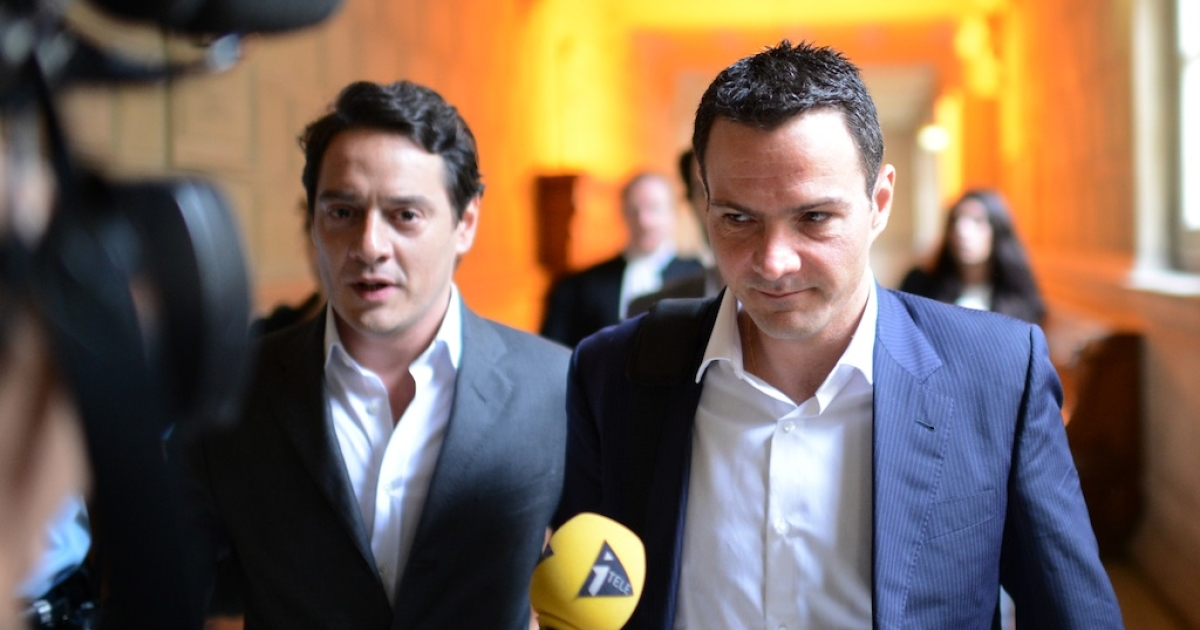Jerome Kerviel, right, arrives at the appeal court in Paris with his lawyer David Koubbi on June 4, 2012.</p>