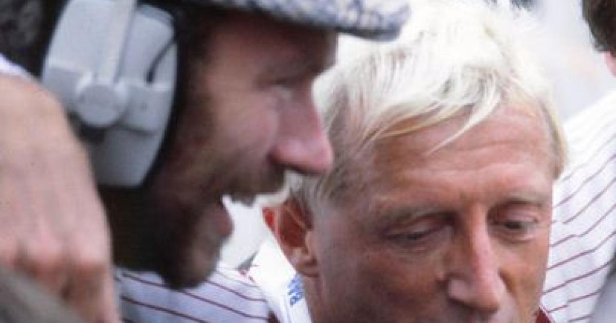Jimmy Savile after completing the 1982 Leeds Marathon</p>