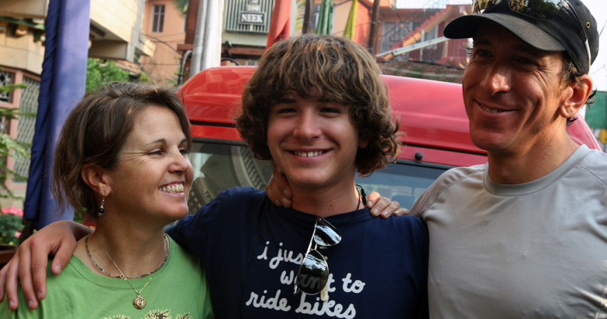 US teen Jordan Romero poses with his father Paul Romero and stepmother Karen Lundgren in April 2010 as the three prepared to climb Mount Everest, the world's highest peak. Romero has just broken the record for youngest climber to scale the world's seven highest mountains.</p>