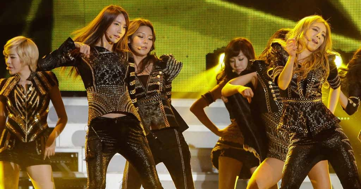 South Korean girl group Girls' Generation perform at the 21st High1 Seoul Music Awards in Seoul on Jan. 19, 2012.</p>