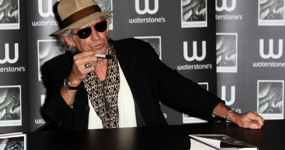 Keith Richards signs copies of his his book 'Life' on November 3, 2010 in London, England.</p>