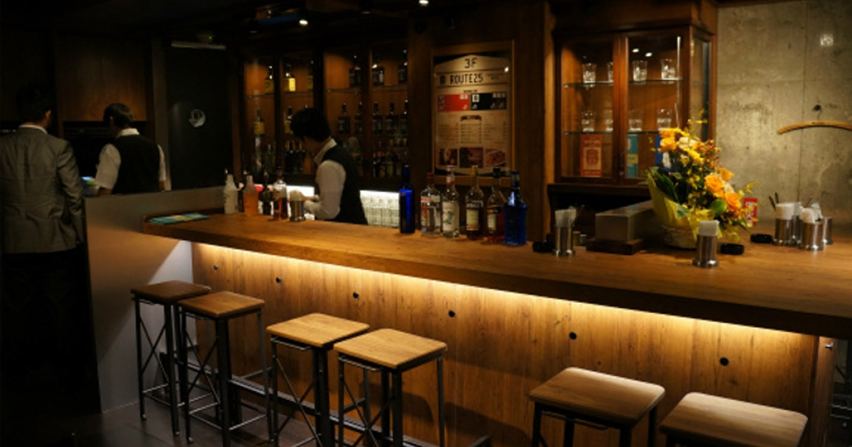 Customers in Tokyo lined up this week for a chance to get into Route 25, the new restaurant by KFC Japan that features a fully-stocked whiskey bar.</p>