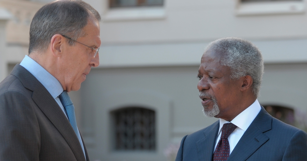 He's not interested: Kofi Annan speaking to Russian Foreign Minister Sergei Lavrov in Moscow on Monday.</p>
