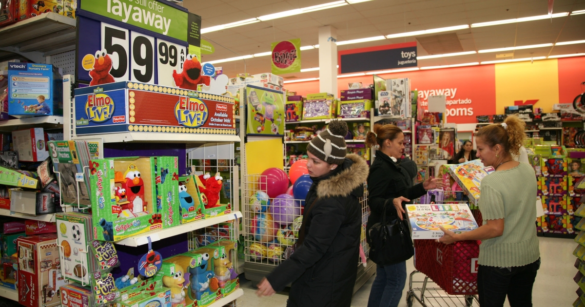 Shoppers look for bargains at a Kmart store in the Bronx borough of New York City on Nov. 17, 2008.</p>