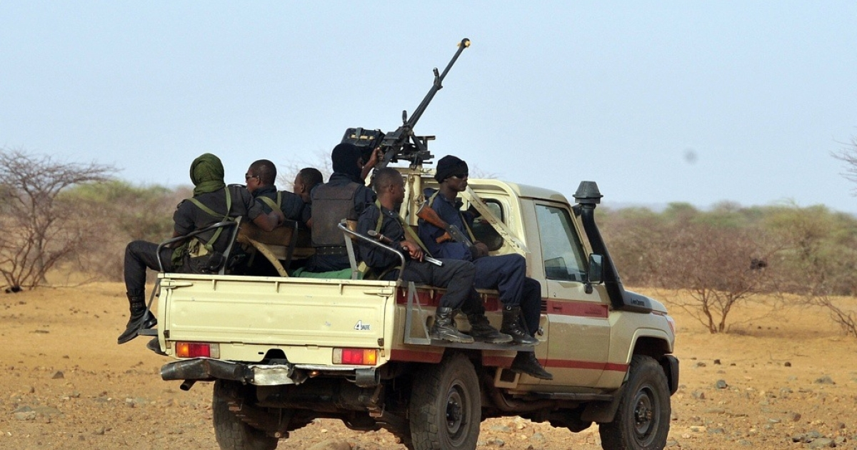 Niger's army forces patrol near a refugee camp, on May 29, 2012, where Malian refugees have found shelter. African Union chief Thomas Boni Yayi called for the creation of a UN-backed force to intervene in Mali, where Islamist militants and Tuareg rebels have declared independence in the north.</p>