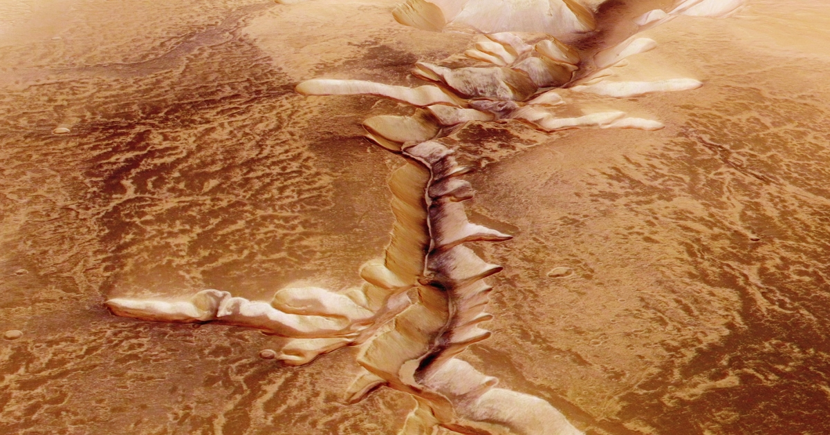 Echus Chasma, one of the largest water source regions on Mars.</p>
