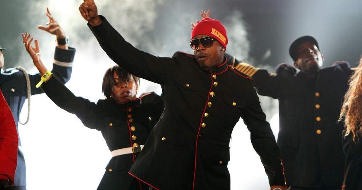 MC Hammer performs during the BET Hip Hop Awards '10 at Boisfeuillet Jones Atlanta Civic Center on October 2, 2010 in Atlanta, Georgia.</p>